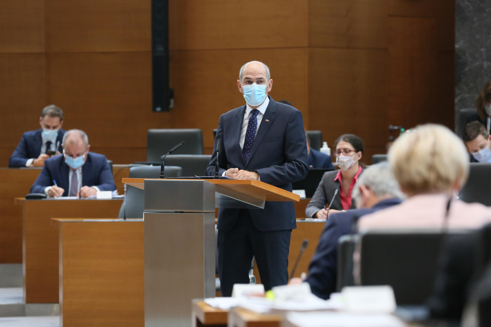 PM Janez Janša draft presented the amendments of the budgets of the Republic of Slovenia for 2021 and 2022.