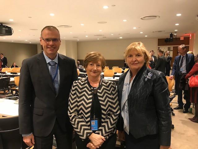 Veleposlanik Mihael Zupančič, nekdanja predsednica MKS Silvia Fernandez de Gurmendi in stalna predstavnica RS pri Združenih narodih veleposlanica Darja Bavdaž Kuret
