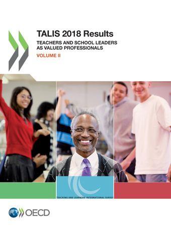 Slika naslovnice publikacije OECD Talis 2018, kjer je v ospredju učitelj, v ozadju pa učenke in učenci.