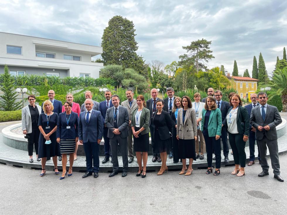 Skupinska fotografija udeležencev sestanka upravnega odbora EASO