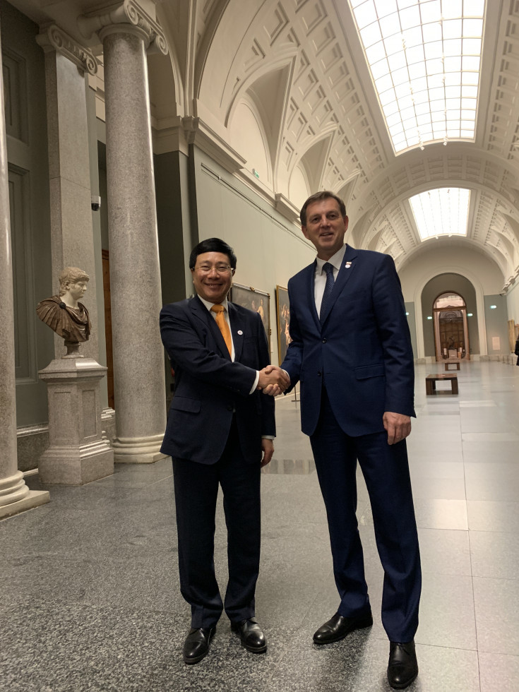 Minister Dr Miro Cerar and Vietnamese Foreign Minister Pham Binh Minh