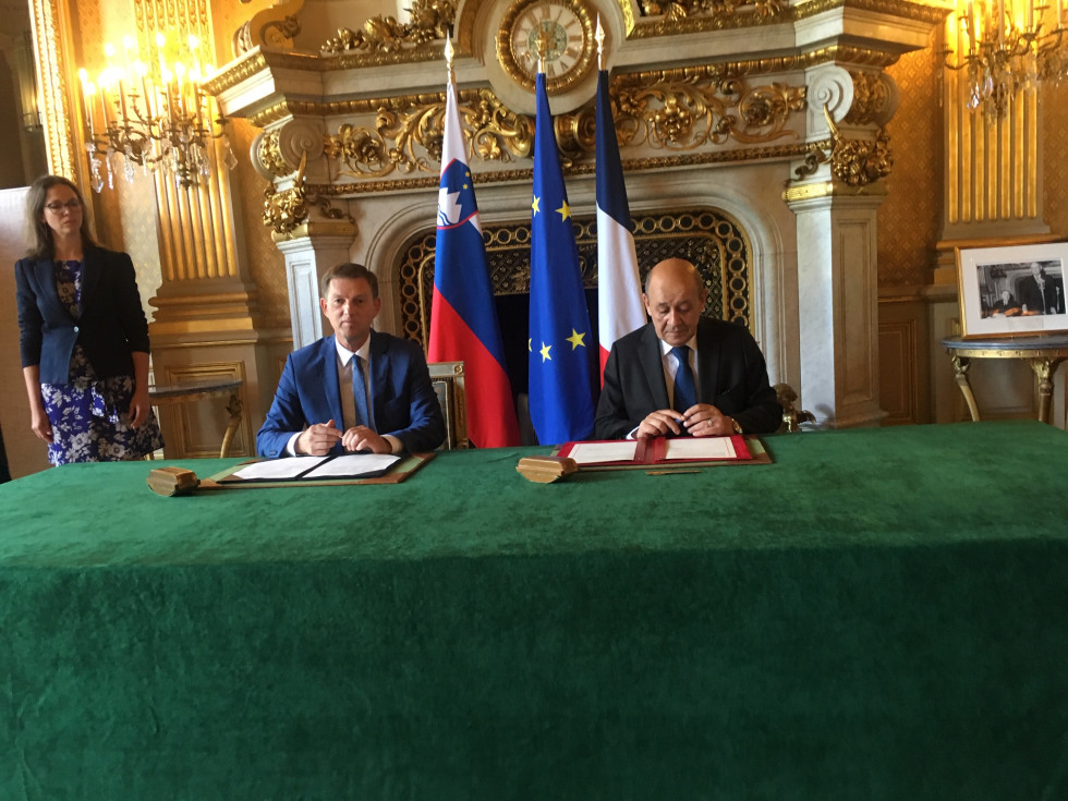 Signing the Slovenian–French Strategic Partnership Action Plan for 2019–2022.