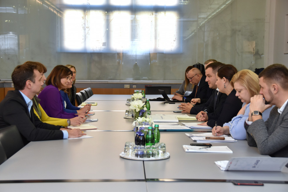State Secretary Simona Leskovar meets with the Ukrainian delegation and representatives of the U-LEAD project