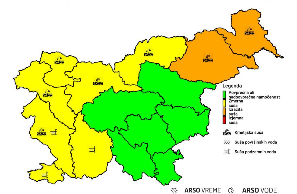 S semaforskimi barvami označena stopnja suše v posamezni regiji Slovenije, z ikono pa izstopajoča vrsta suše: ali je v površinskem sloju tal, v površinskih vodah ali v podzemnih vodah