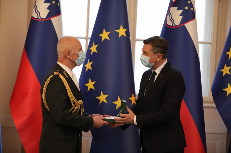 President of the Republic of Slovenia and Commander-in-Chief of the Slovenian Armed Forces Borut Pahor promoted Chief of the General Staff of the Slovenian Armed Forces, Robert Glavaš.