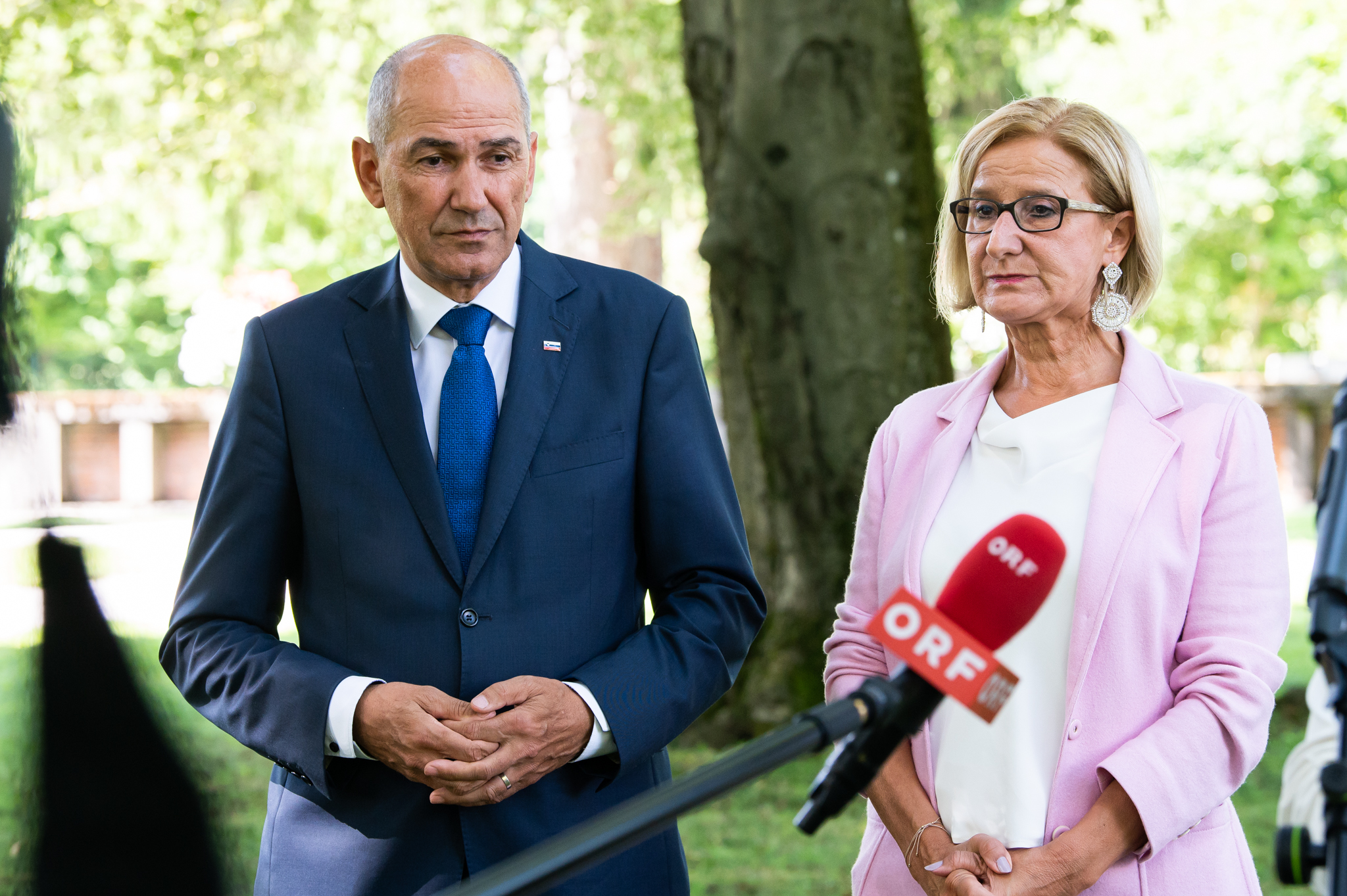 Predsednik vlade Janez Janša na delovnem kosilu z deželno glavarko Spodnje Avstrije mag. Johanno Mikl-Leitner