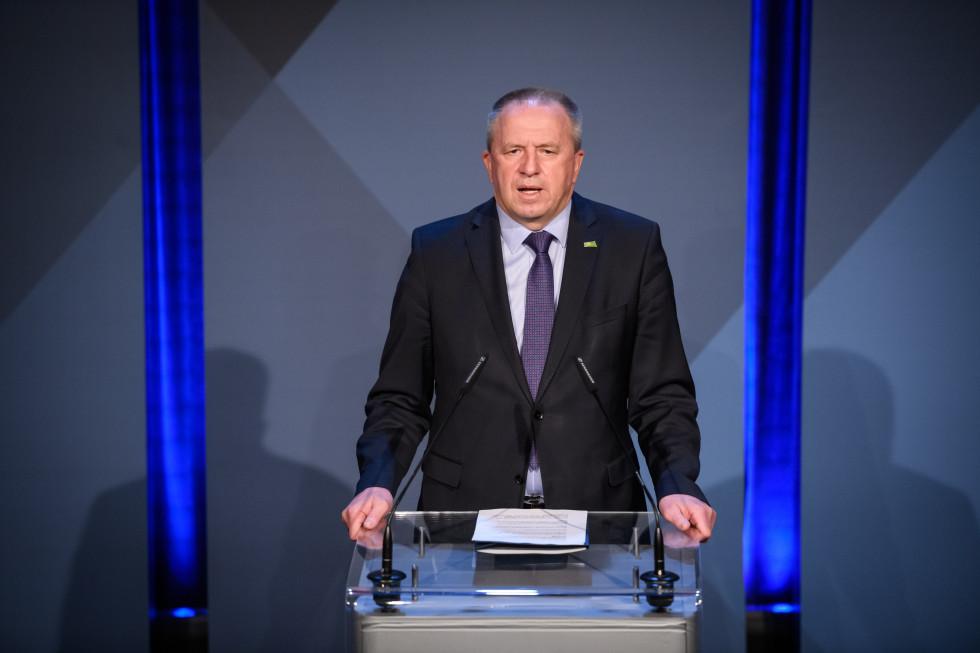 Izjava ministra za gospodarski razvoj in tehnologijo Zdravka Počivalška.