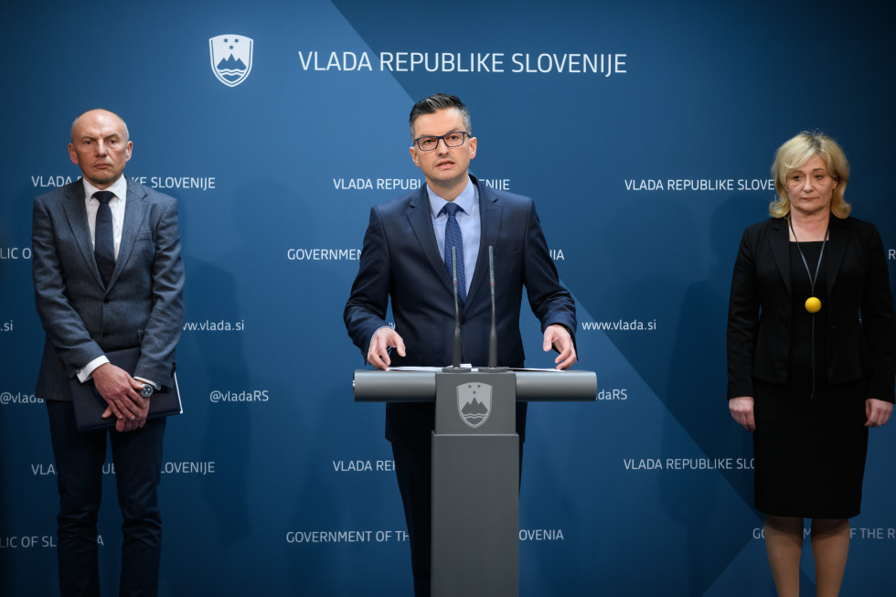 The outgoing cabinet adopted on Thursday measures to contain the new coronavirus in case it spreads to Slovenia